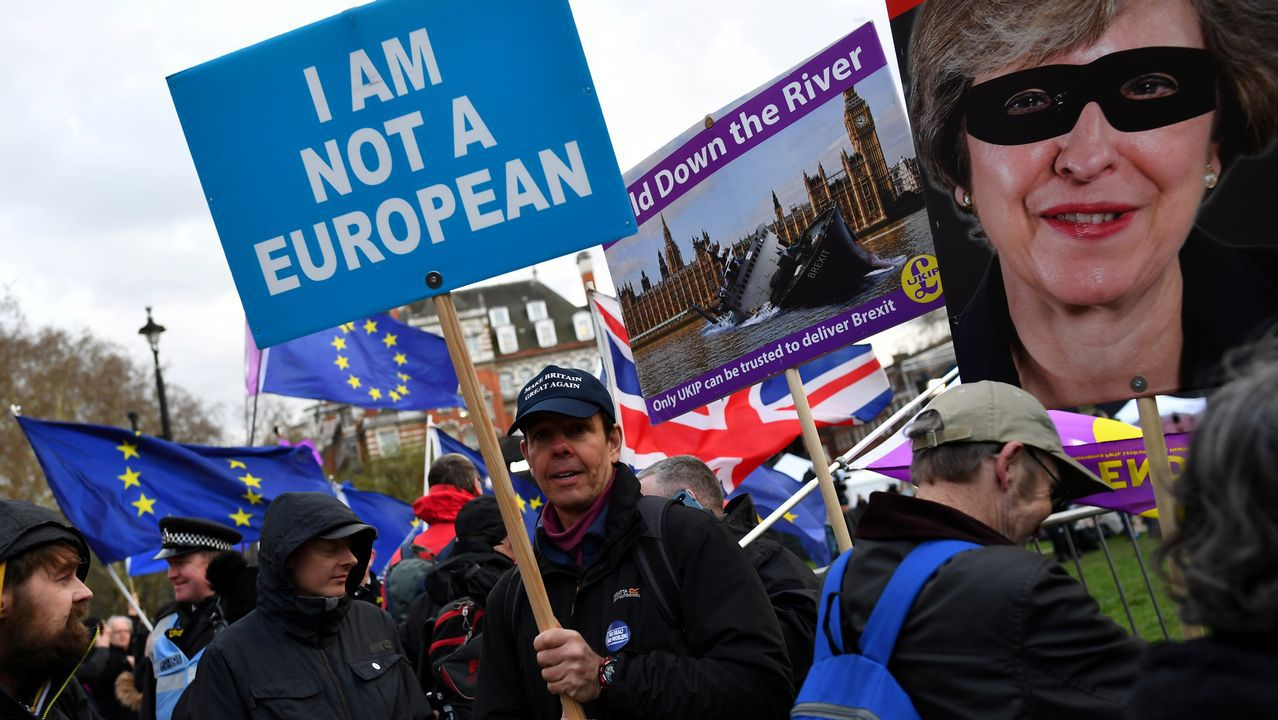 Protesta «probrexit» en el exterior de Westminster