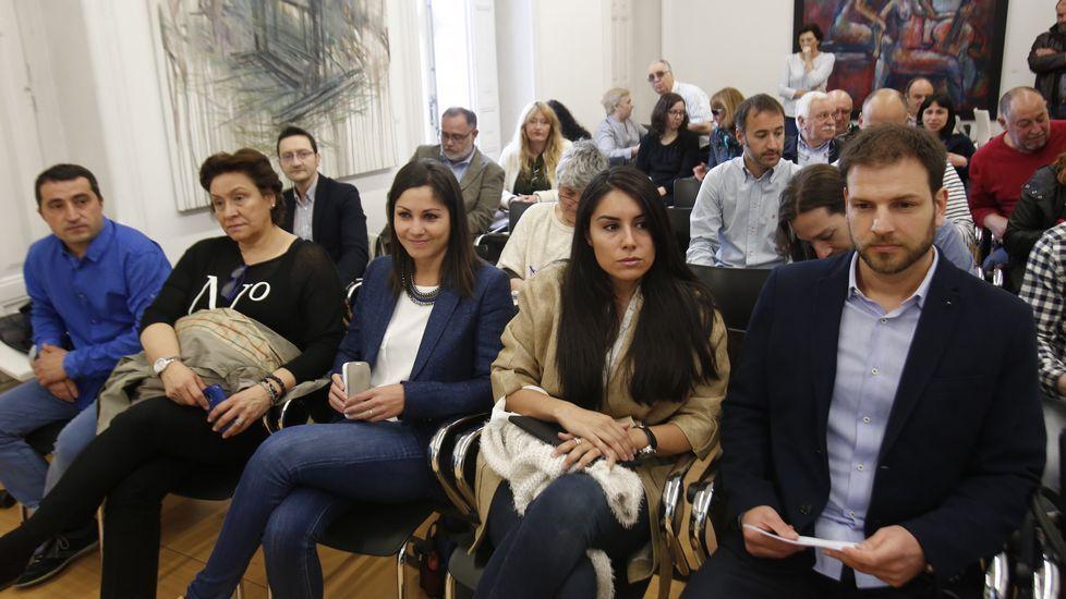 Olga Louzao estuvo acompañada por los candidatos Bergantiños, Expósito, Barreiro y Méndez.