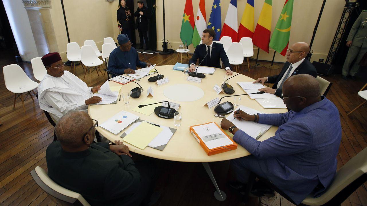 Macron se reunió con los presidentes de los países del Sahel, donde Francia tiene desplegados 4.500 soldados en misión antiterrorista