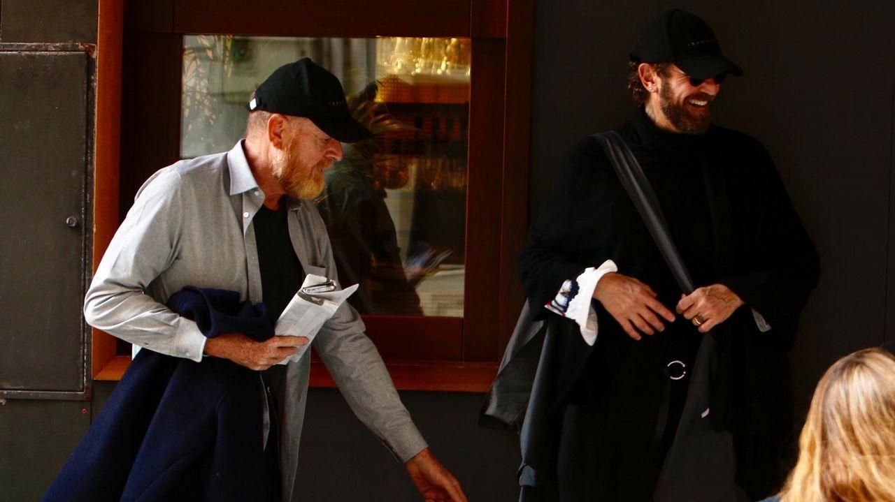 A la derecha, Stefano Pilati, diseñador de la firma Random Identities