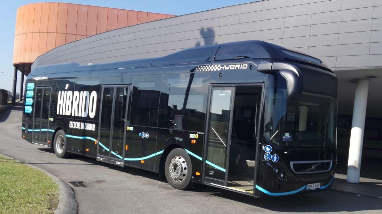 Infografía con la reforma integral del hospital de Cabueñes, en Gijón.El nuevo autobús híbrido de Emtusa