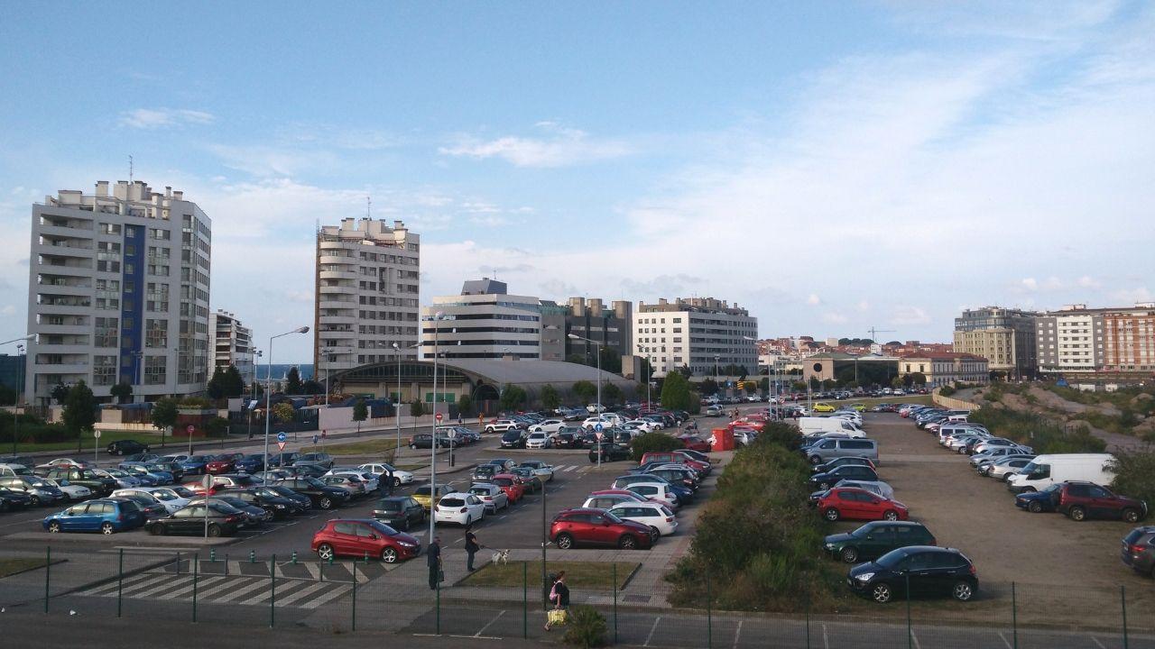 Aparcamiento gratuito situado frente al Museo del Ferrocarril de Gijón.Aparcamiento gratuito situado frente al Museo del Ferrocarril de Gijón