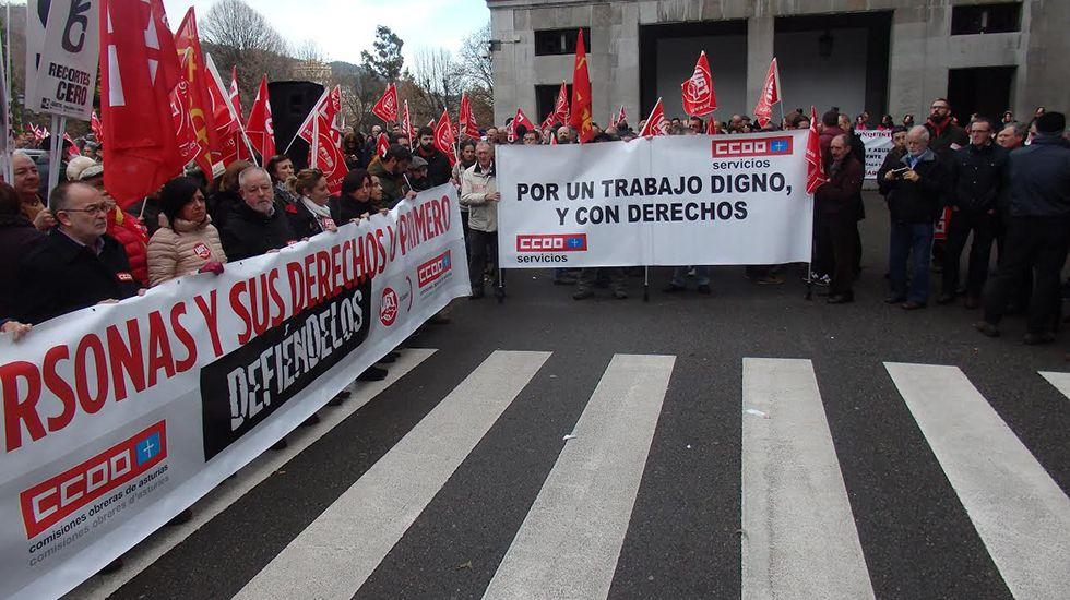 Manifestación de UGT y CCOO en Oviedo