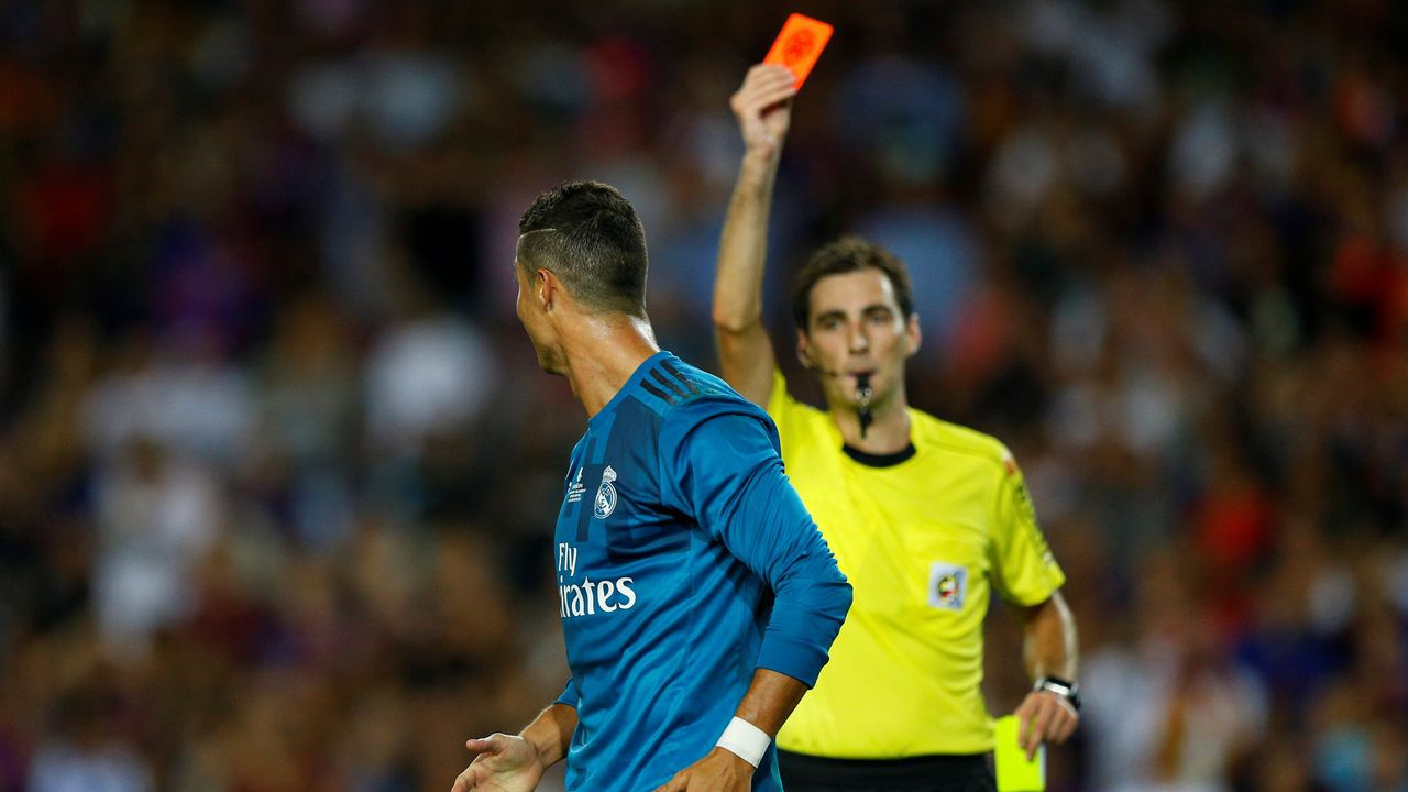Zidane estalla contra los árbitros