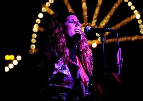 Tiroteo en Washington.La cantante en una actuación en Lugo en el año 2002.