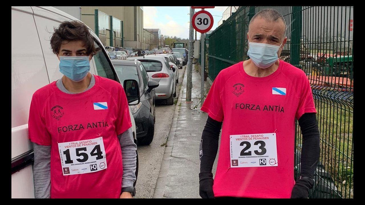 Amaia Naveiro (izquierda) con Pilar Ledo (centro) y Jorge Armesto (derecha)