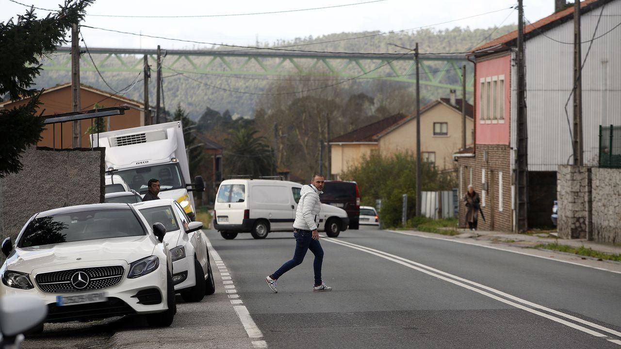 Un camión se sale de la vía y vuelca en la AG-56 en Brión.Juzgados de A Coruña