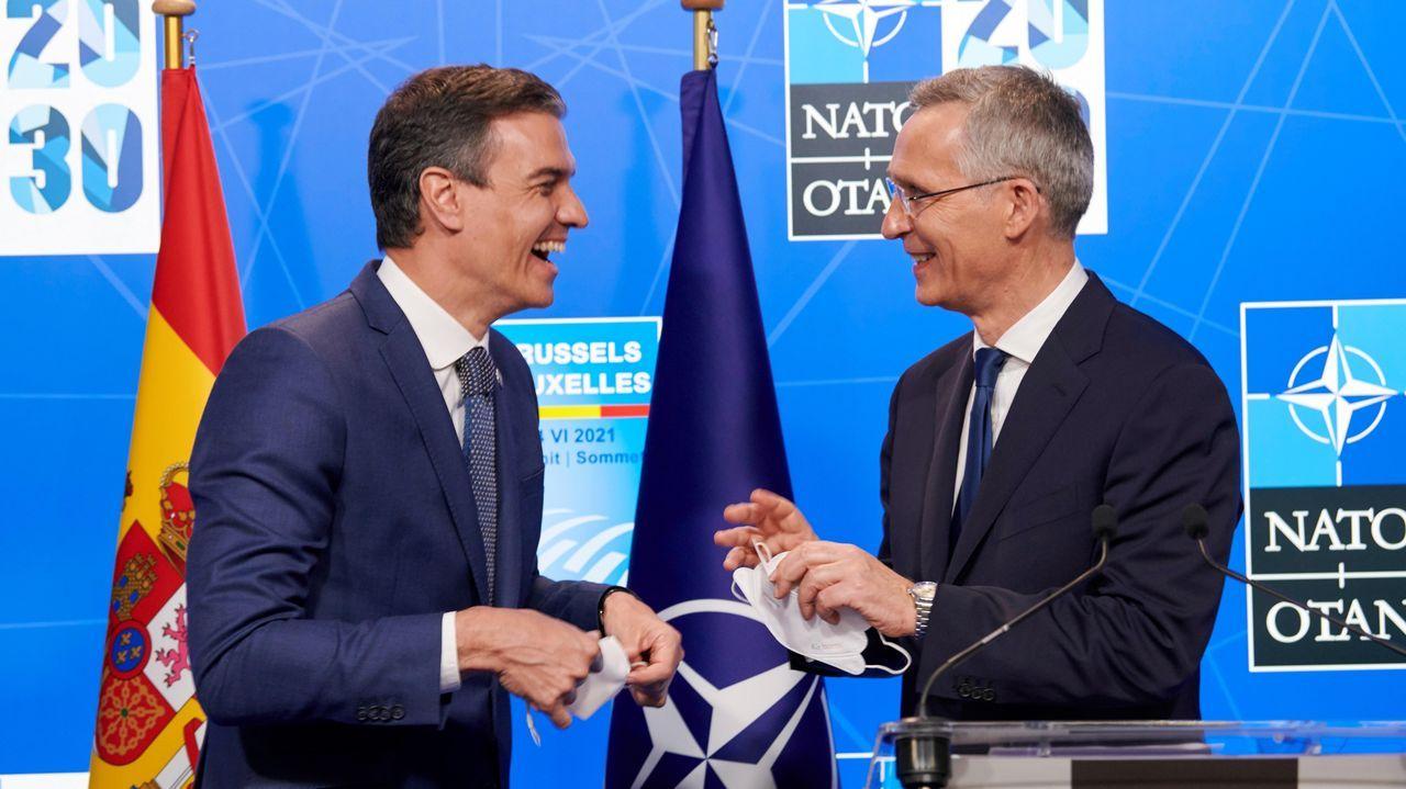 Sánchez confirma que el Gobierno indultará mañana a los presos del «procés».El presidente del Gobierno, Pedro Sánchez, y el secretario general de la OTAN, Jens Stoltenberg, durante la rueda de prensa conjunta ofrecida el pasado lunes en el marco de la cumbre de la OTAN