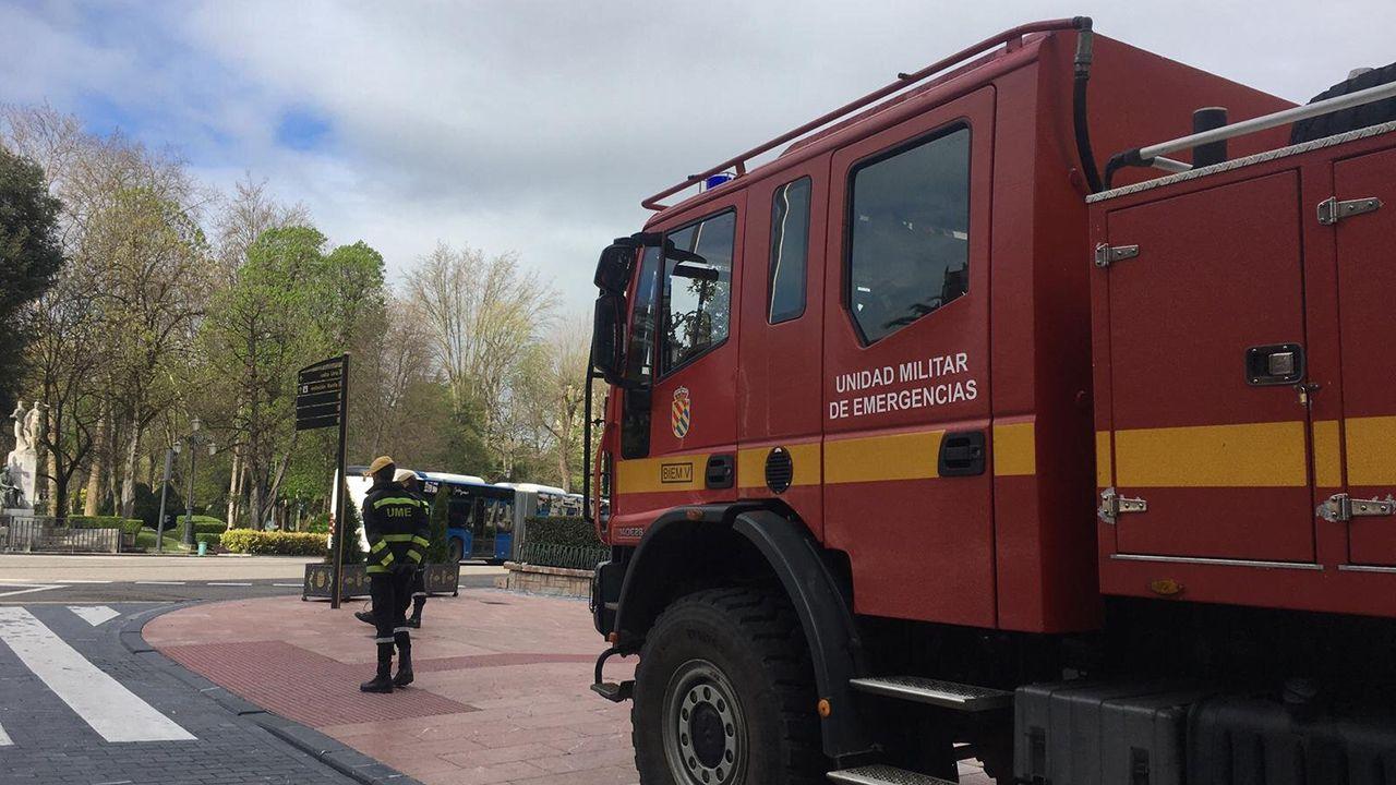 Una compañía de la Unidad Militar de Emergencias (UME), en Oviedo