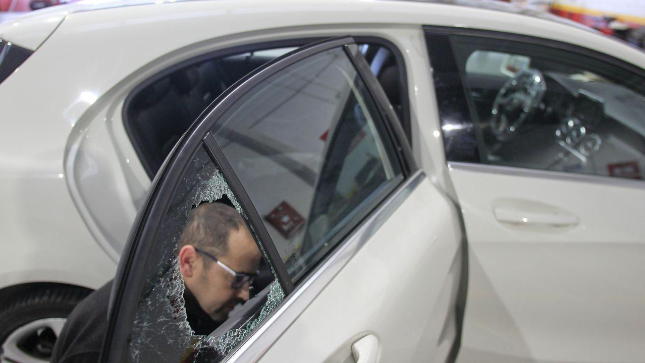 Policías antidisturbios durante los incidentes que se produjeron en Barcelona el pasado día 18 de octubre