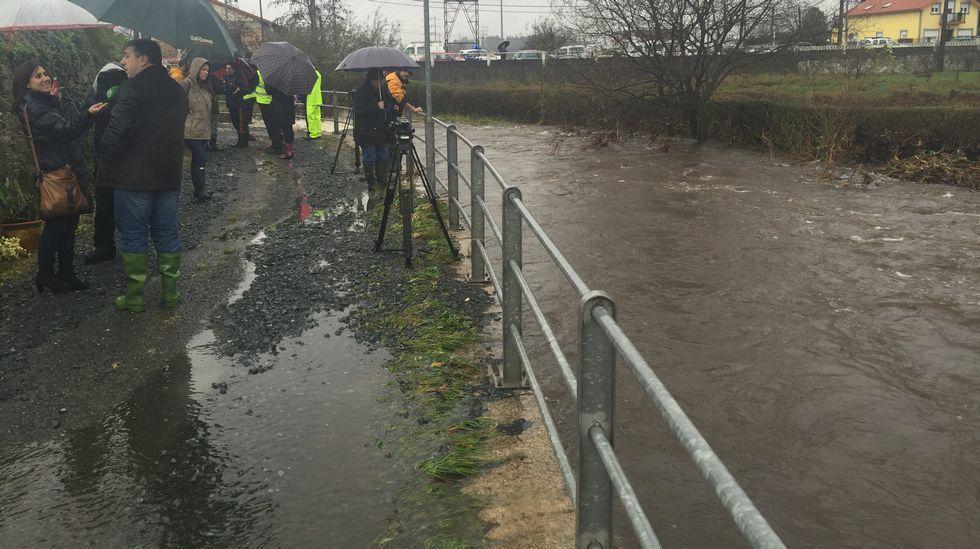 Otra imagen de la inundación en Neda.