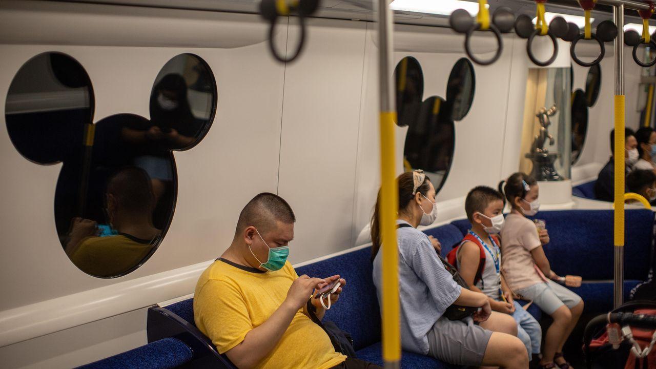 Imágenes de la pandemia en el mundo.Estado de las obras en la calle Ponte