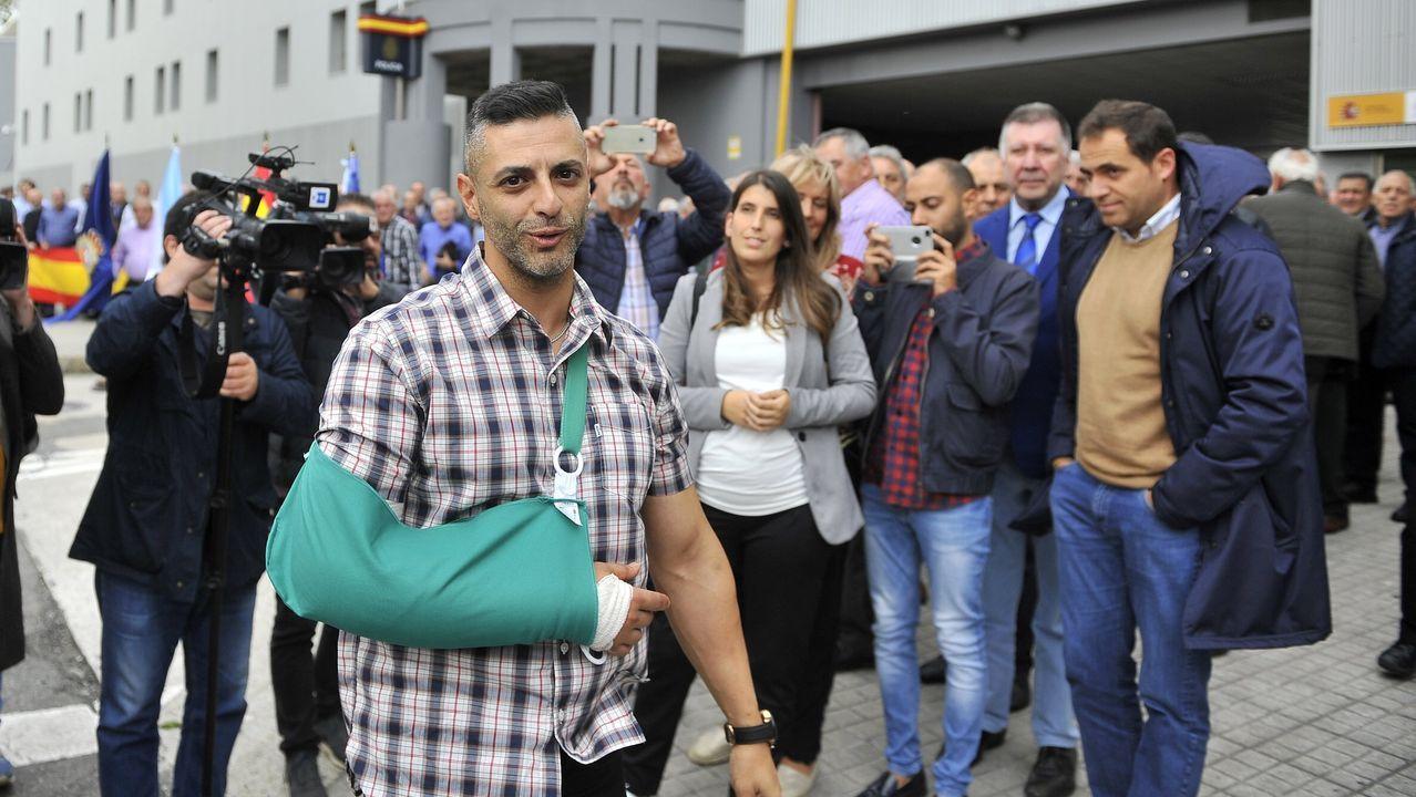 Recibimiento a Ángel, policía nacional con base en A Coruña que intervino en la operación Ícaro. Imagen de archivo