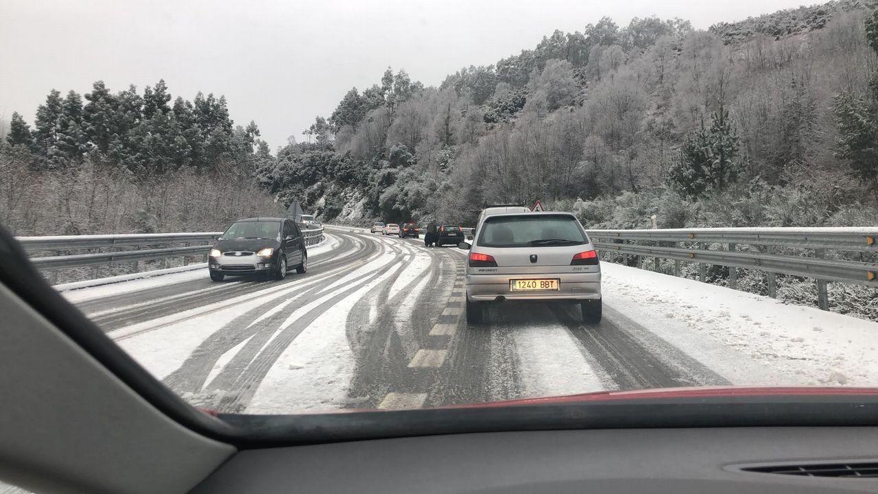 Temporal de nieve en A Mariña.«Se registran frecuentemente accidentes como consecuencia del paso de animales», dice la Xunta en la licitación de la mejora de la seguridad vial en A Gañidoira