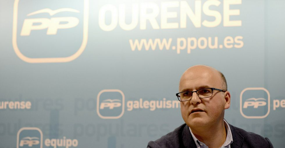 El presidente popular dice que, tras la pérdida de un diputado en Verín, hay que reflexionar.