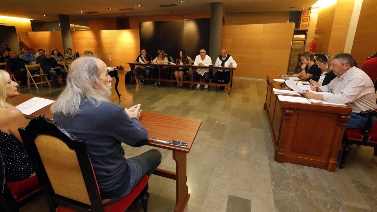 En directo: rueda de prensa de Alberto Núñez Feijoo.Por la pandemia, la ubicación de los concejales y del público cambia notablemente en el pleno que se celebra a las 20.30 horas de este martes en Viveiro