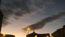 Cielo de Oviedo, durante el amanecer