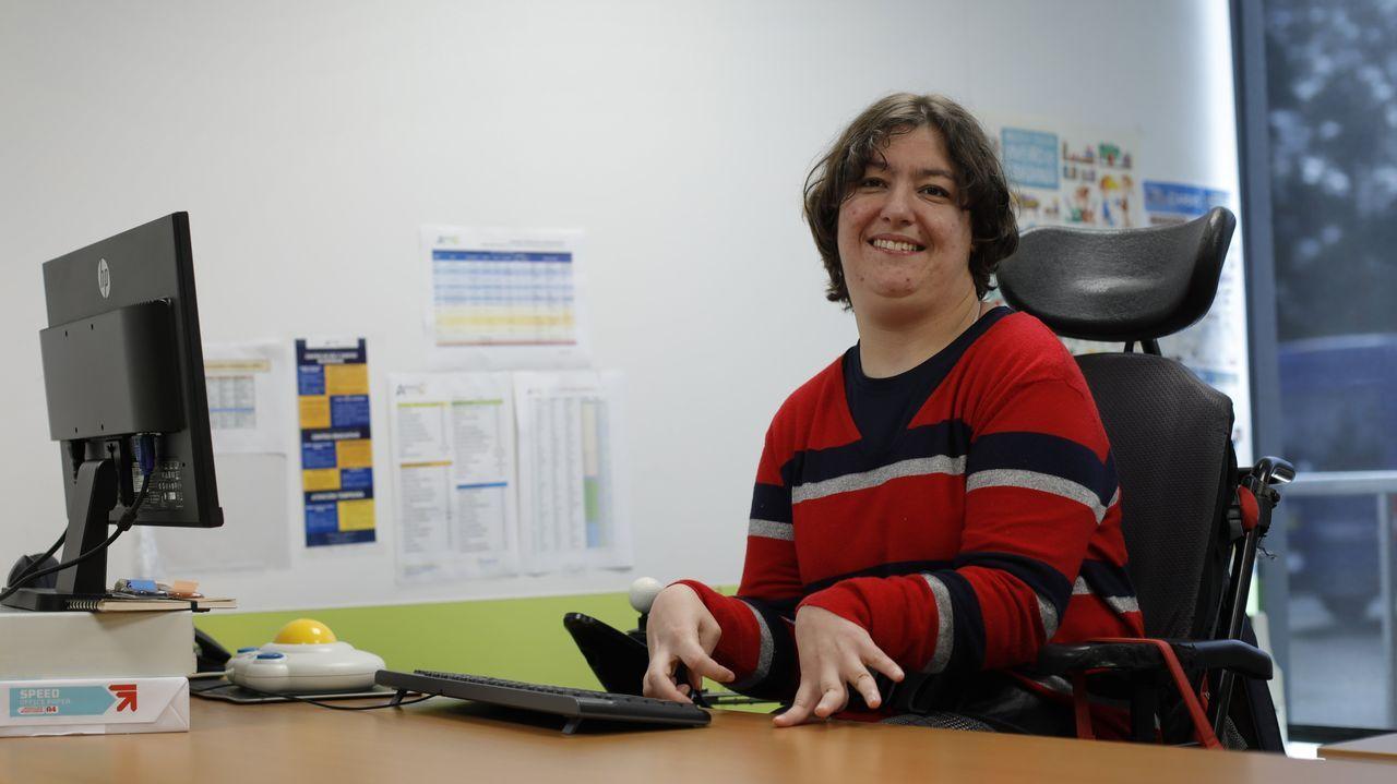 Gisela Galeiras Cao, usuaria de Aspace e influencer en silla de ruedas, es la atora del blog de moda  TendenciasinclusivasGise
