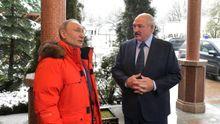 Vladimir Putin recibe a Alexander Lukashenko, el pasado febrero, en el balneario ruso de Sochi