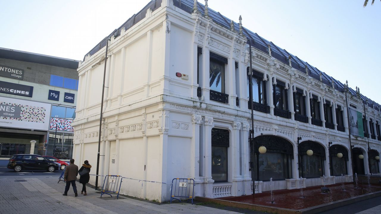 La PAH paraliza un desahucio en Oviedo.La PAH paraliza un desahucio en Oviedo