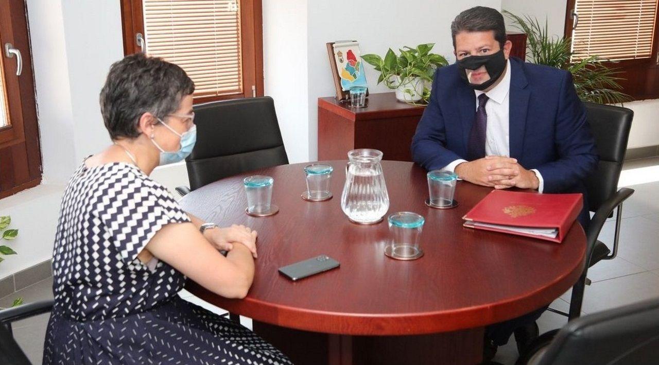 González Laya y Picardo, en la reunión que mantuvieron en Algeciras