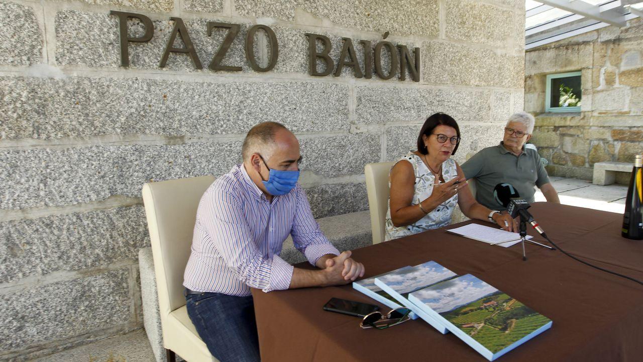 A etiqueta conmemoria o centenario de Isaac Díaz Pardo