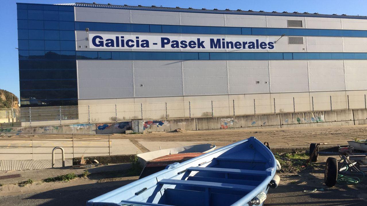 <span lang= gl >O día a día das redeiras enAguiño</span>