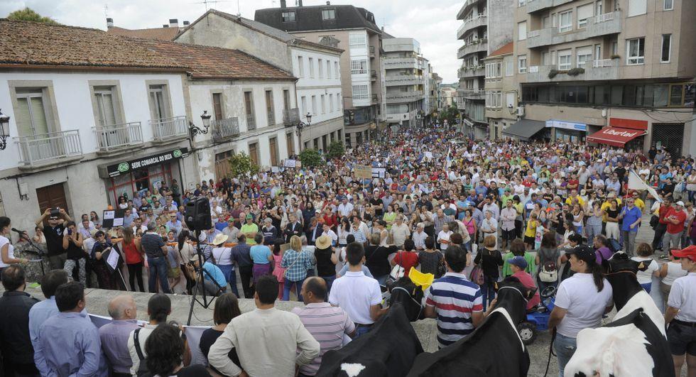 La movilizacion en lalín sigue siendo objeto análisis politico.