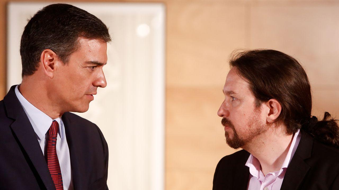 Calvo sobre un Gobierno de coalición: «No hay vía en esa dirección».Iglesias, junto a Jaume Asens, durante la sesión de investidura, fallida de nuevo, de Pedro Sánchez este jueves