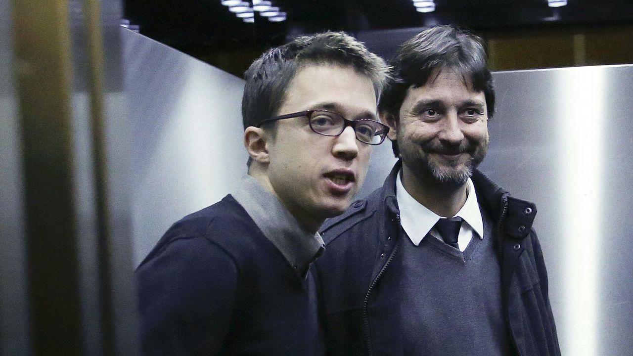 Errejón deja su escaño en el Congreso de los Diputados.Iñigo Errejón junto al diputado y miembro de la dirección de Podemos Rafa Mayoral