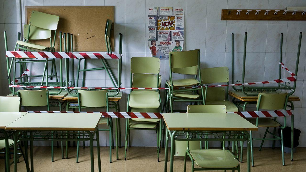 Preparativos para retomar las clases en el instituto Fernando Wirtz de A Coruña