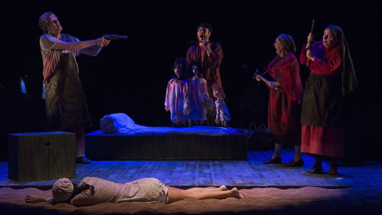 A montaxe de Teatro do Noroeste desenvólvese nun espazo baleiro e sinxelo