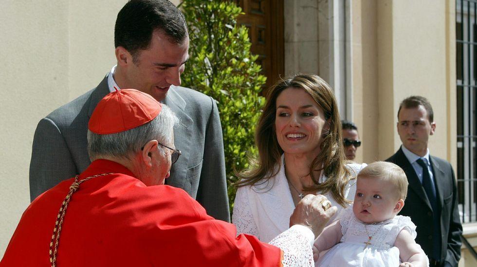 Presentado a Leonor ante la virgen de Atocha.