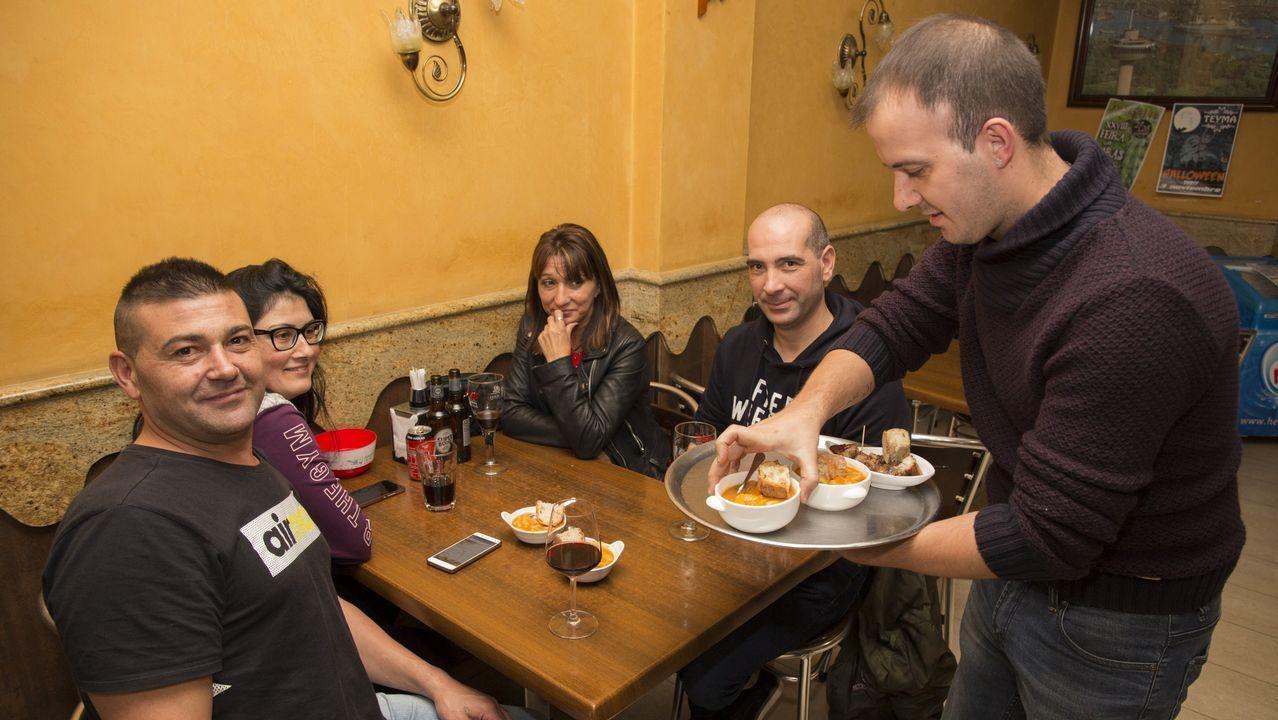 La Feira das Fabas llenó Ponteceso de sabor y producto local. ¡Las imágenes!