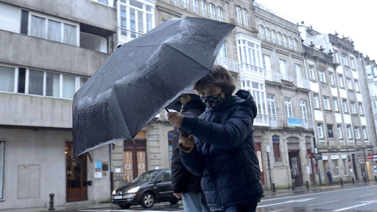 Turistas en Asturias con lluvia.Mapa del descubrimiento y restos encontrados