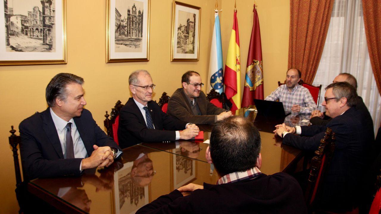 El alcalde recibió en el Ayuntamiento a representantes de la UNED