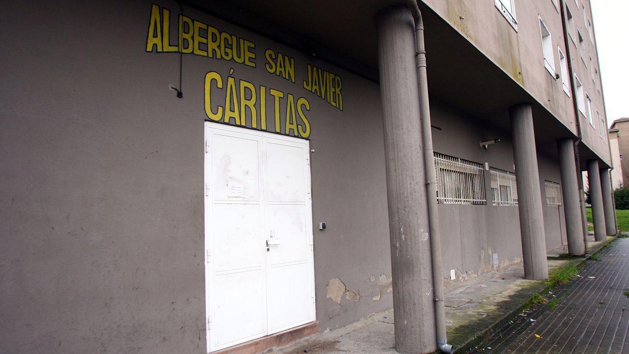Colas para entrar a un comedor social del Raval, en el centro de Barcelona, la semana pasada