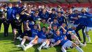 Los futbolistas del Liga Nacional del Real Oviedo celebran el título de la categoría ante el Sporting de Gijón