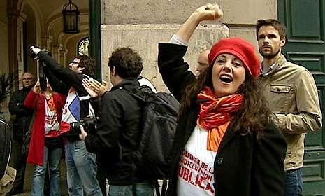 Aznarismo con el brazo en alto en Telemadrid.Ana Blanco presentando el informativo nocturno en 1995 con Matías Prats