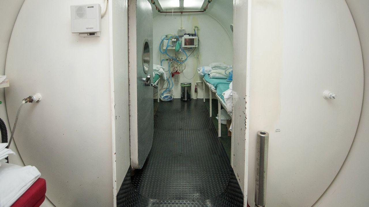 Así fue el homenaje a la Brilat.Cámara hiperbárica del Hospital Naval