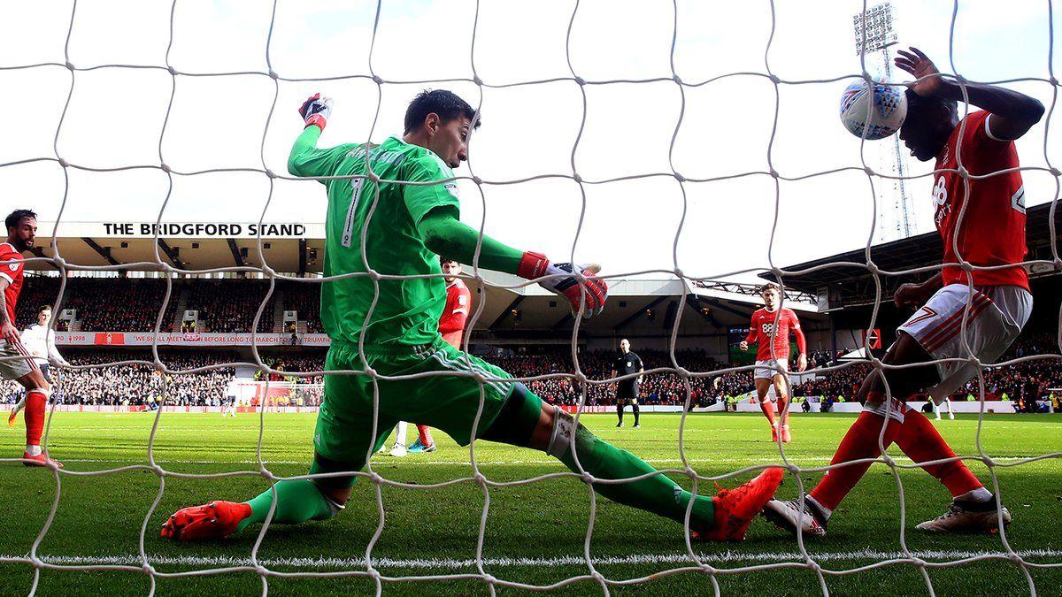 La final de la Copa del Rey, en imágenes.Pantilimon en una acción en el último partido ante el Derby County