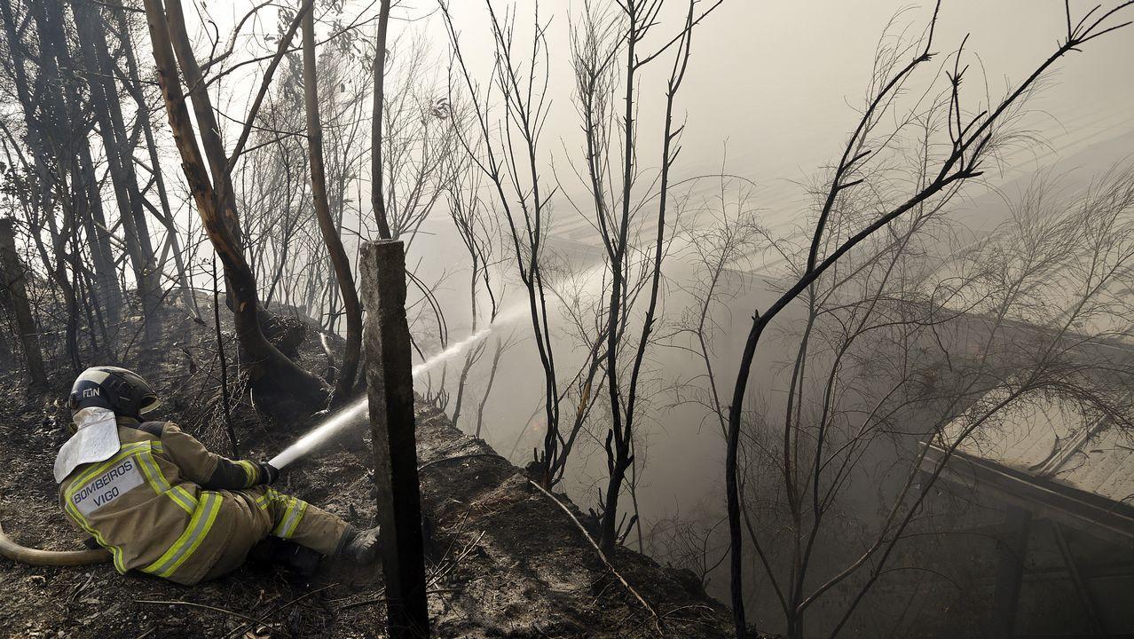 Incendio en la empesa Hierros y Metales Mos