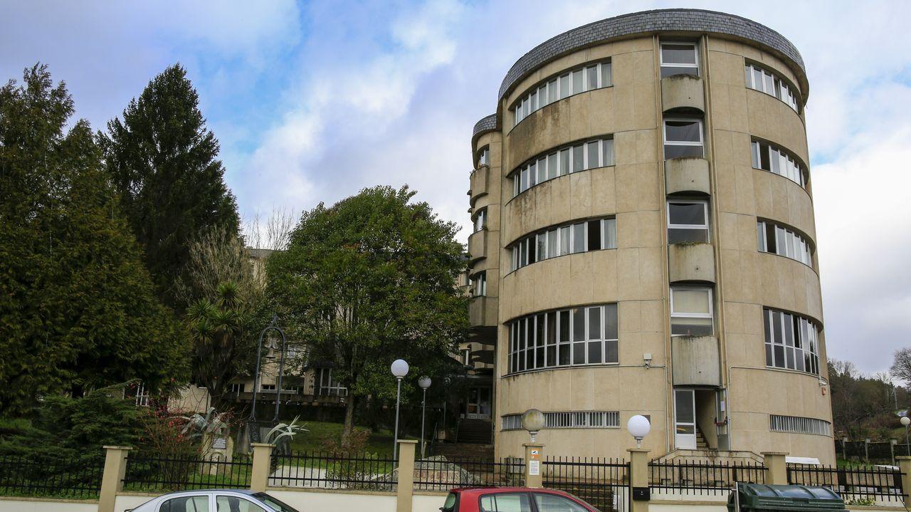 La Xunta contrató a una empresa homologada para que desinfecte el edificio