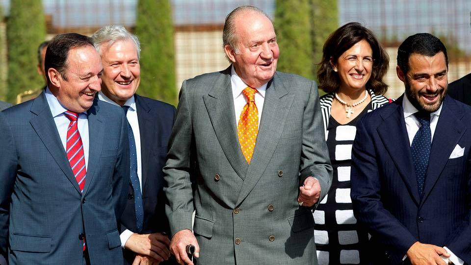 Ada Colau: «Sí se podía».El rey Juan Carlos durante el acto de inauguración del castillo de Ygay, sede del primer proyecto de vinos de La Rioja, de Bodegas Marqués de Murrieta en Logroño, en el que estuvo acompañado por el presidente del Gobierno de La Rioja, Pedro Sanz (i), el presidente de Bodegas Marqués de Murrieta, Vicente Cebrián-Sagarriga (d)