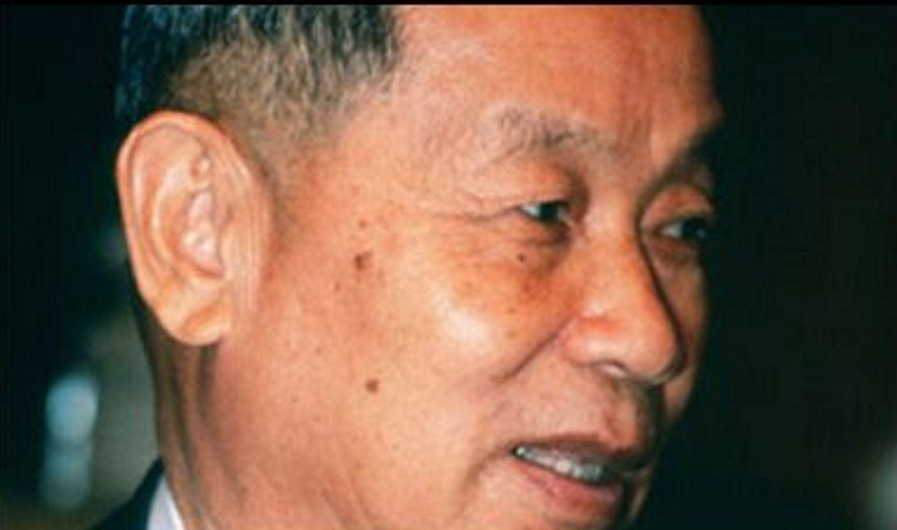 La vida de un navegante solitario.Chaleo Yoovidhya, creador de Red Bull y abuelo de Vorayuth Yoovidhya, acusado de atropellar mortalmente a un policía en el 2012
