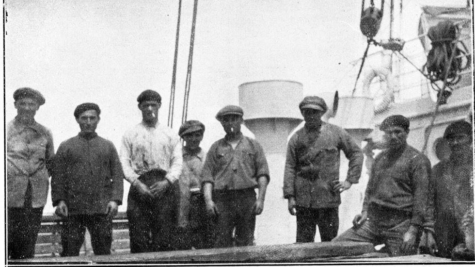 Belleza y trabajo duro en los entrenamientos de Sol Martínez.Tripulantes fisterráns en la Patagonia argentina, año 1929.