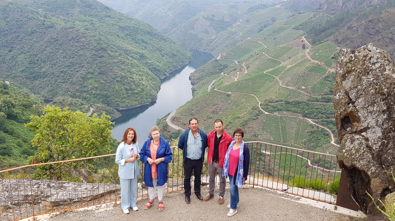 Participantes en una edición anterior de la cata de la denominación Ribeira Sacra