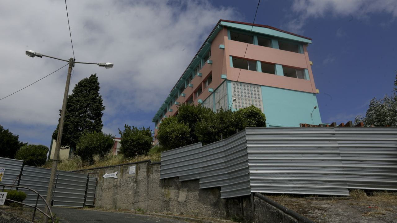 Las compras inmobiliarias más emblemáticas de Amancio Ortega.Los alumnos de la promoción 2019-2020 posaron en una foto de grupo tras la celebración de la graduación