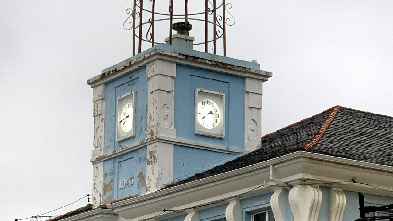 El reloj de la Cofradía, una joya del patrimonio histórico pesquero