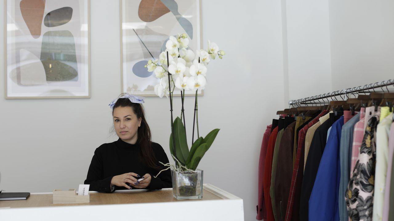 Varoja Showroom.Uno de los bolsos de AM Store en Fontán, Sada